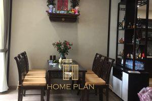 bàn thờ treo tường chung cư phong cách Đông Dương